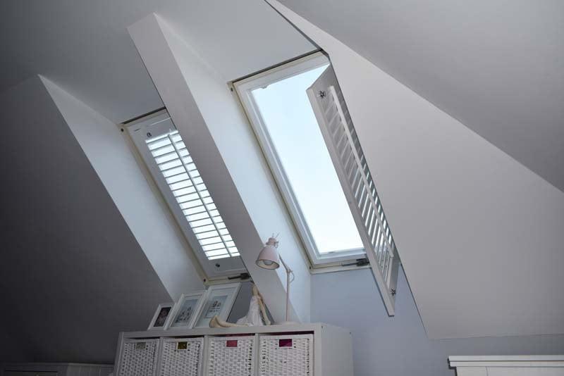 Rolety na okna dachowe Shutters Okiennice Wewnętrzne