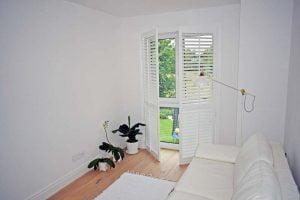 shutters w sypialni