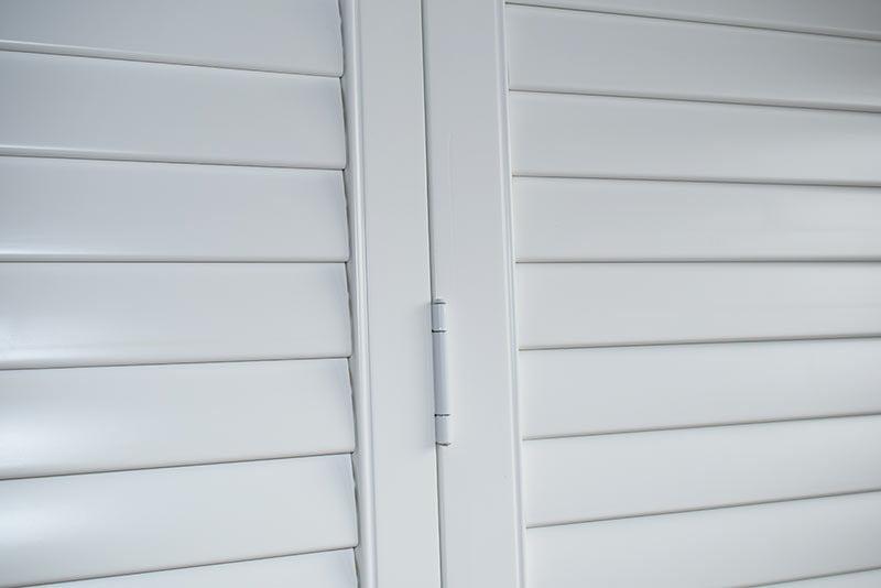 klasyczne zawiasy shutters